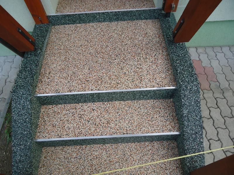 Steinteppich Treppe natursteinteppich treppen pflegeleicht widerstandsfähig und